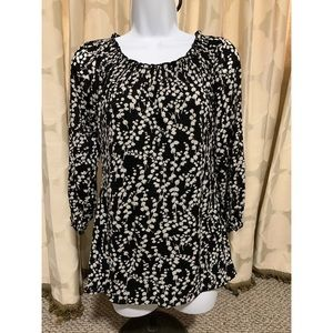 Style & Co- Black & White Top |